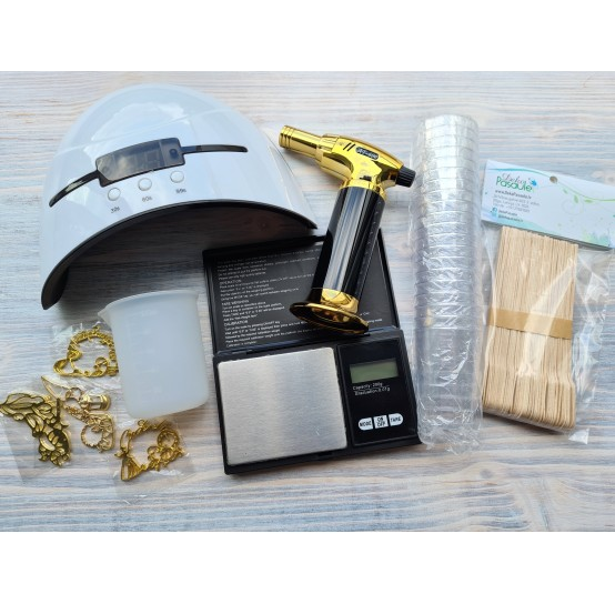 Tools for working with epoxy resin