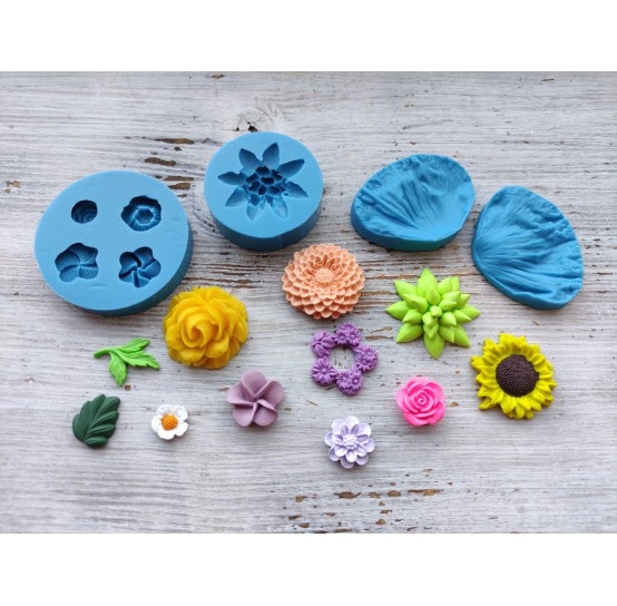 Silicone molds of flowers and leaves