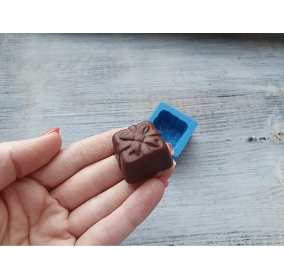"""Silicone mold, chocolate candy """"gift"""", ~ 2.8 cm"""