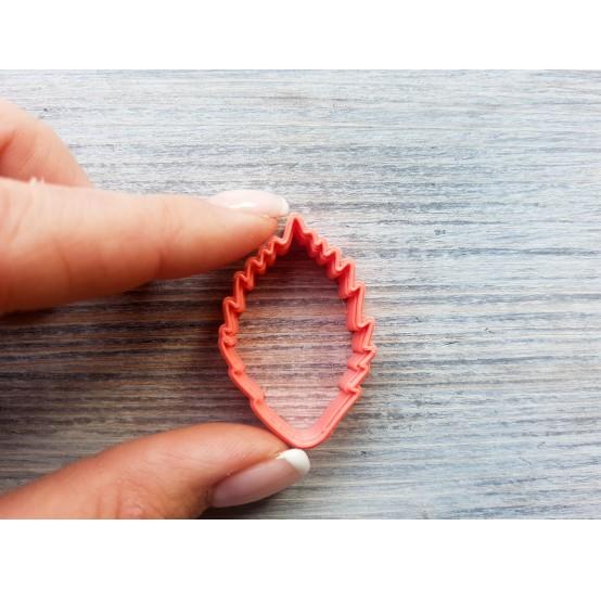 Raspberry leaf cutter, ~ 2.5 cm