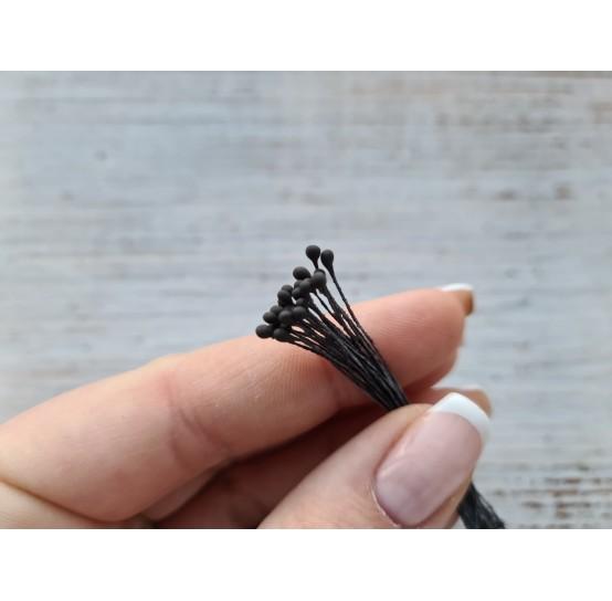 Stamens, black, round, 2 mm